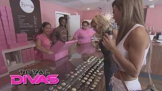 The Divas go cupcake shopping: WWE Total Divas Bonus Clip, Oct. 12, 2014