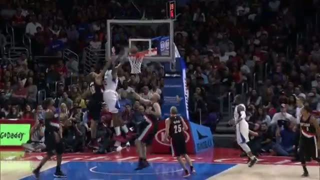 NBA: DeAndre Jordan Climbs High for the Alley-Oop
