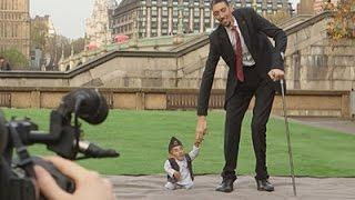World's Tallest, Smallest Men Meet