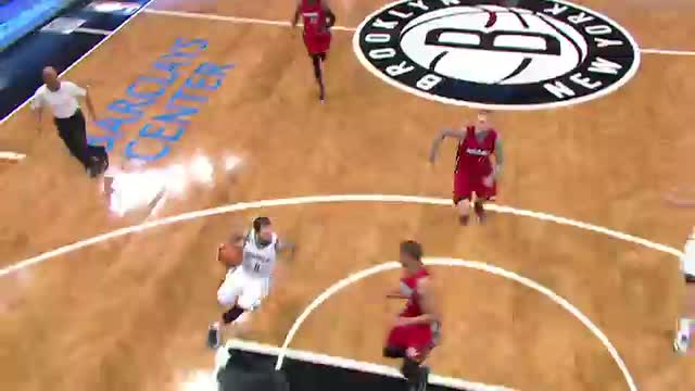 NBA: Deron Williams with the Fancy Behind the Back Assist