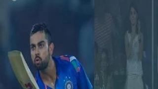 Virat Kohli's special gesture on achieving 6000 ODI runs (Ind vs SL 2014 - 3rd ODI)