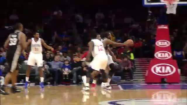 NBA: Kawhi Leonard Leads Spurs to Victory with Double-Double