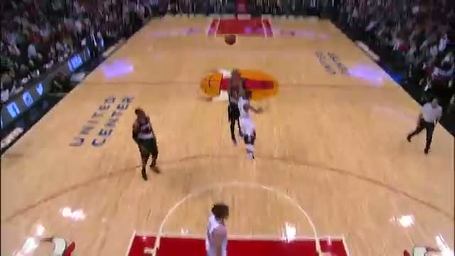 NBA - Battle of the Guards: D-Rose and Lillard Put Up Strong Performances