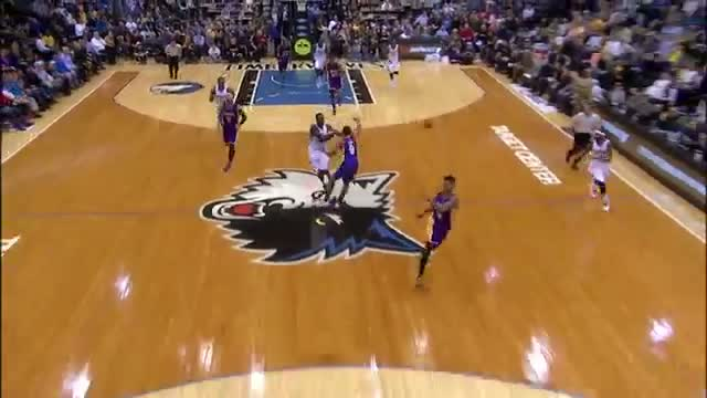 NBA: Shabazz Muhammad Finishes the Break with the Loud Smash