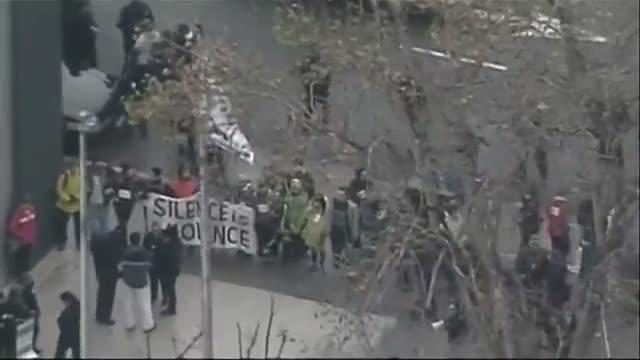 Protesters Block Oakland Police Headquarter Video