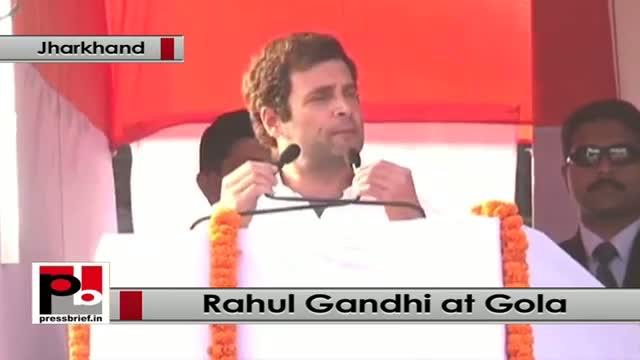 Jharkhand polls: Rahul Gandhi blames Modi govt for terrorists replacing tourists in Kashmir