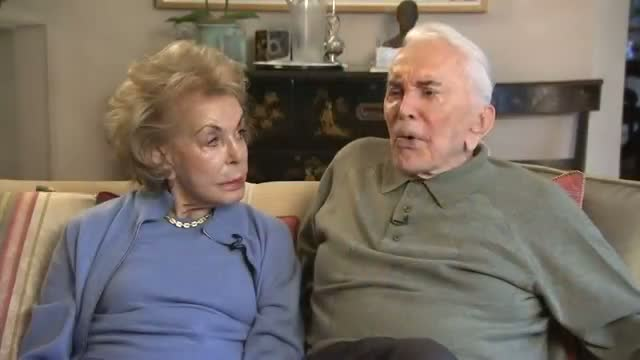 Kirk Douglas Reflects on 'Spartacus' Video