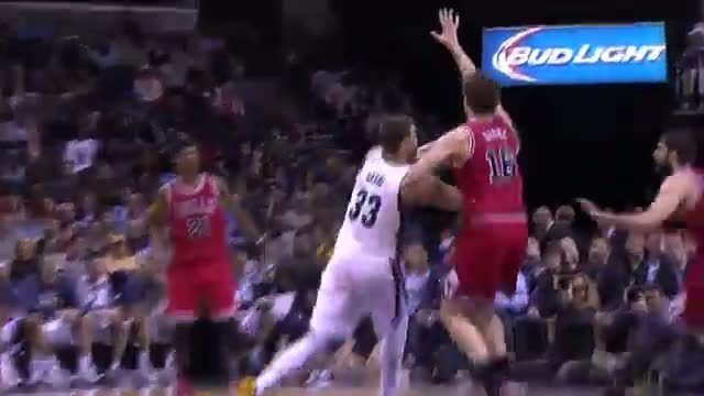 NBA: The Gasol Brothers Do Battle in Memphis