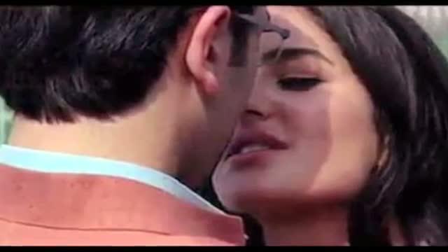 Katrina Kaif And Ranbir Kapoor Kissing Spree At Christmas Party!
