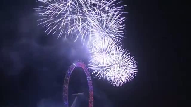 London's Big Ben Rings in 2015 Video