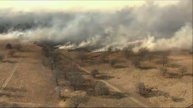 Okla. Grass Fire Consumes Hundreds of Acres Video