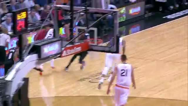 NBA: Eric Bledsoe Scores Career-High 33 as Suns Beat Blazers