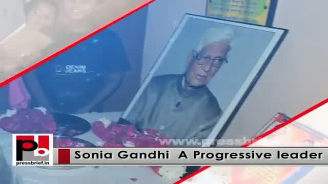 Sonia Gandhi in Raebareli, reviews progress of development works in the constituency