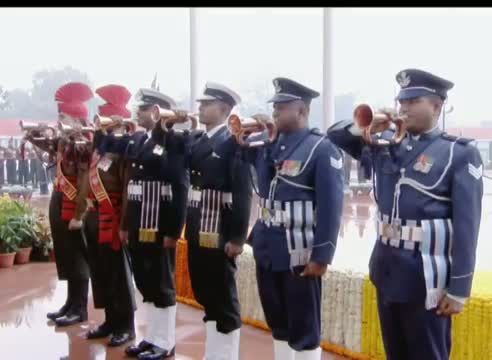 PM Narendra Modi pays tribute to martyrs at Amar Jawan Jyoti