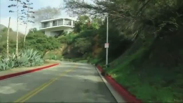 Hollywood Sign Seekers Disrupt Neighborhood Video