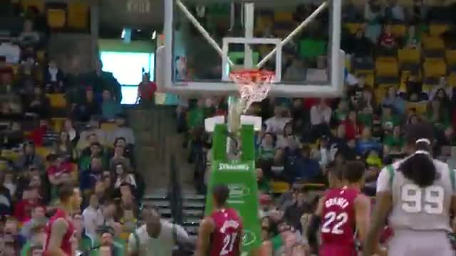 NBA: Brandon Bass Attacks and Throws Down On Hassan Whiteside