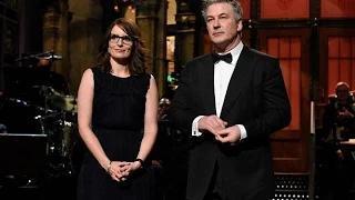 Tina Fey and Alec Baldwin honor absent Tracy Morgan at SNL 40th