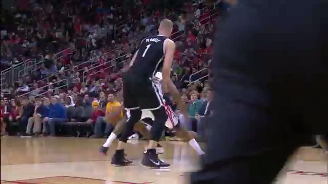 NBA: Alan Anderson Takes Off for the Two-Handed Dunk