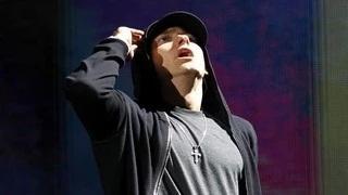 Celebrity Phobias That Will Shock You (Top 7) Eminem, Nicki Minaj, Rihanna & More
