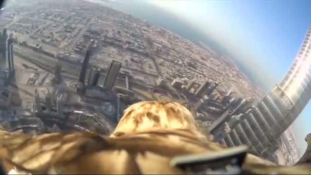 Eagle-cam reveals incredible POV as it descends from Burj Khalifa