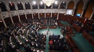 Gunmen kill 8, take hostages in Tunisia museum