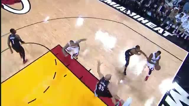 NBA: Chris Andersen Soars Over Chris Kaman for the Alley-Oop Finish