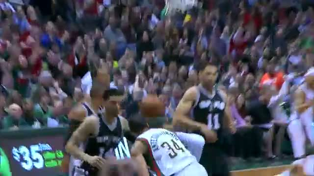 NBA: Giannis Antetokounmpo Flies In to Rattle the Rim with the Dunk