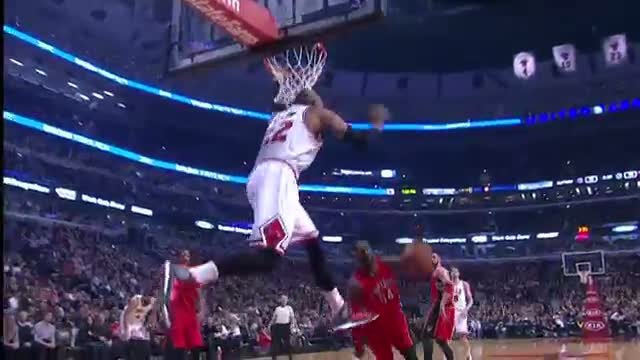 NBA: Pau Gasol Serves Up the Alley-Oop to Taj Gibson