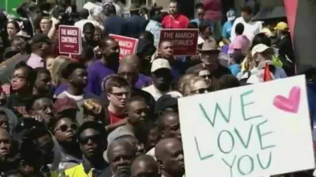 Thousands Retrace Final Leg of Selma March