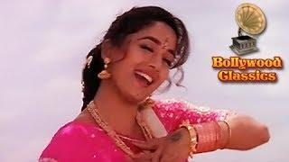 Paalkhi Mein Hoke Sawar Chali Re - Khalnayak - Alka Yagnik Songs - Laxmikant Pyarelal Songs