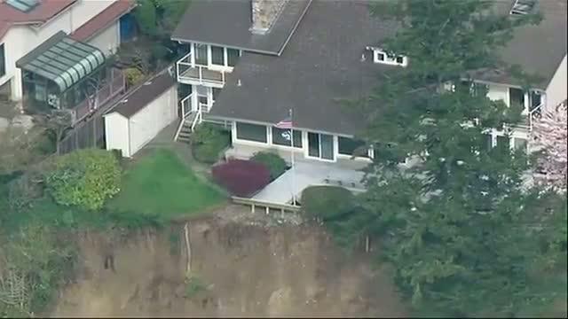 Homes Near Landslide in Washington