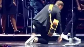 Justin Timberlake and Garth Brooks - Friends In Low Places - Nashville