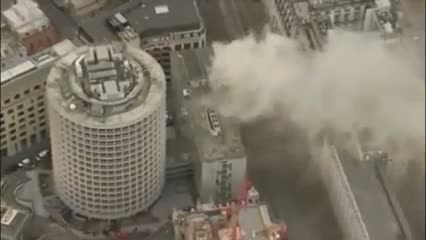 Holborn fire causes mass evacuation as smoke fills Central London Streets