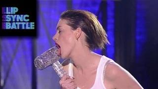 Anne Hathaway's Wrecking Ball vs. Emily Blunt's Piece of My Heart - Lip Sync Battle