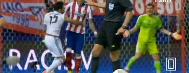 Mandzukic Carvajal fight - Atletico Madrid 0-0 Real Madrid Champions league 2015