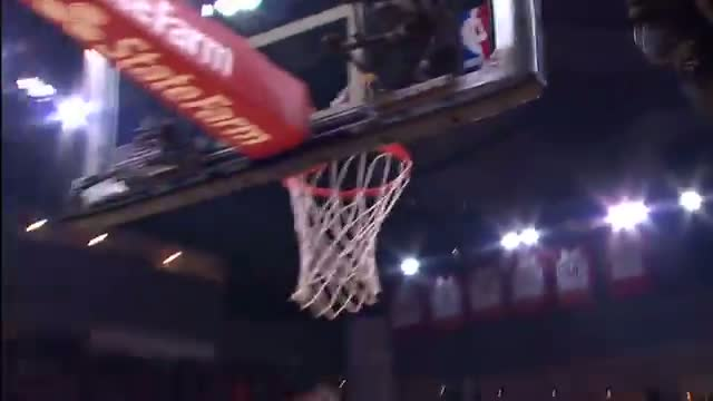 NBA: Dwight Howards Cleans Up the Mess with Monster Putback!
