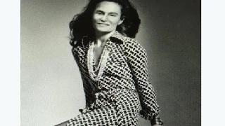 Bruce Jenner In A Dress Picture Goes Viral