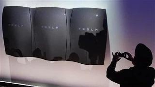 Tesla's Elon Musk Unveils Batteries to Power Homes