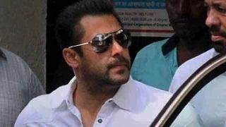 Salman Khan's sentence suspended, goes to court to get bail