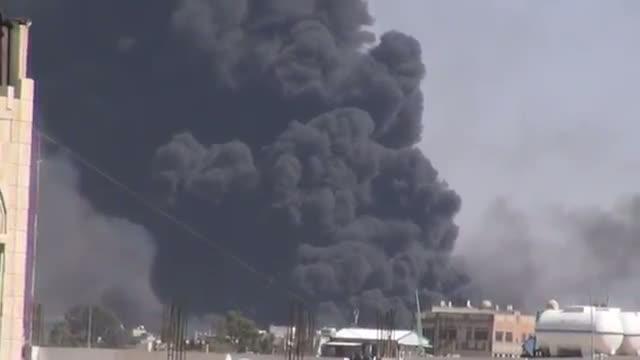 Saudi-Led Warplanes Hit Sanaa Ahead of Ceasefire
