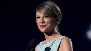 TAYLOR SWIFT's Sweet Mother's Day Message to Fan