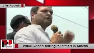 Rahul Gandhi talking to farmers in Amethi