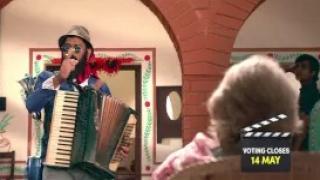 Crash the Pepsi IPL - Mystery Man Crashes In - Pepsi Ad