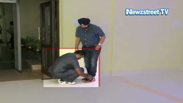 Mamata's minister made security person tie shoe laces