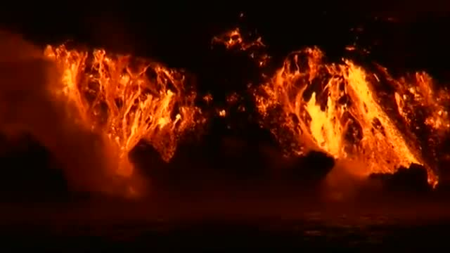 Lava from Wolf Volcano Boils into Ocean