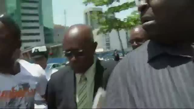 Reporters Shoved By Ex-FIFA VP's Security