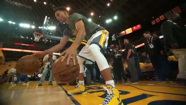 NBA: Steph Curry Pregame Dribbling Routine in 120fps