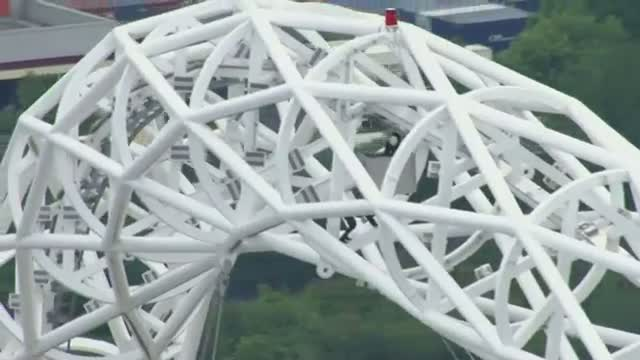 UK Climber First to Stand on Wembley Arch