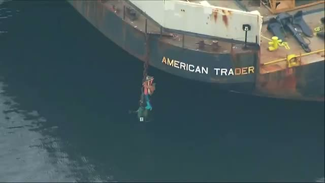 Arctic Drilling Protesters Cling to Ship