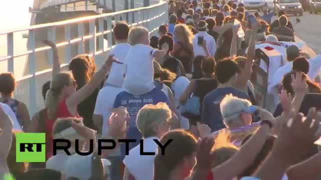 USA: Thousands honour Charleston shooting victims in unity march